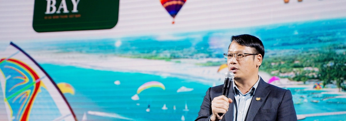 Dự án Thanh Long Bay - Ông Trần Hiếu – Phó Tổng giám đốc DKRA công bố những thông tin hấp dẫn dành cho các khách hàng tham dự sự kiện