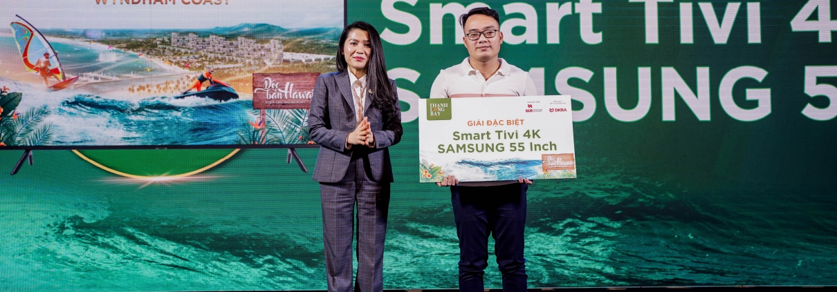 Dự án Thanh Long Bay - Các khách hàng tham dự sự kiện nhận được những phần quà may mắn khi quyết định sở hữu căn hộ biển Wyndham Coast