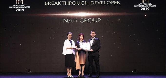 """ập đoàn Nam Group nhận giải thưởng """"Nhà phát triển bất động sản đột phá Đông Nam Á 2019"""" tại lễ trao giải Dot Property Southeast Asia Awards 2019."""